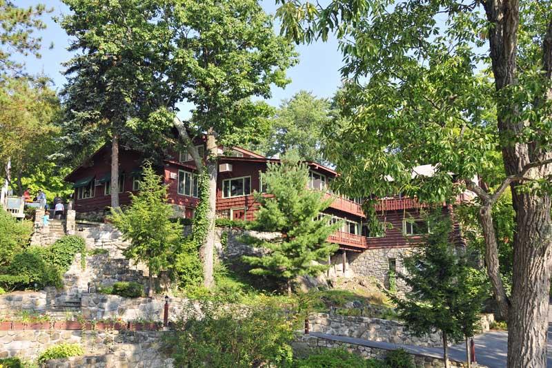 Canoe Island Lodge in Lake George NY